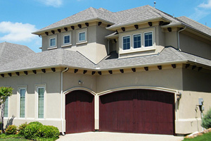 Warning Signs of a Garage Door that Needs Replacemen
